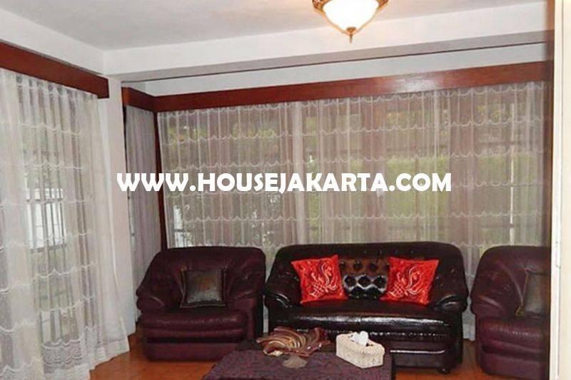 Dijual Rumah jalan Karawang Menteng Murah Tanah Kotak Golongan C