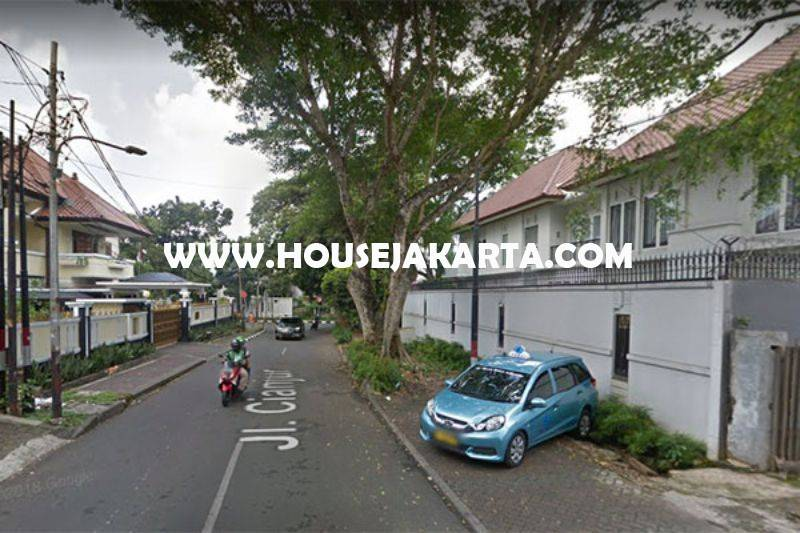 Rumah Bagus Jalan Cianjur Menteng Dijual Murah hitung Tanah Kotak Golongan C