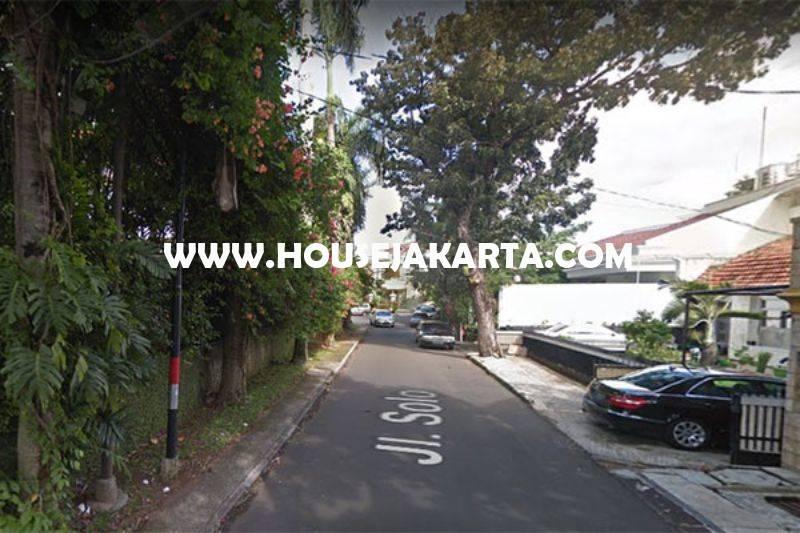 Rumah Jalan Solo Menteng Tanah Kotak Golongan C Dijual Murah Daerah Tenang
