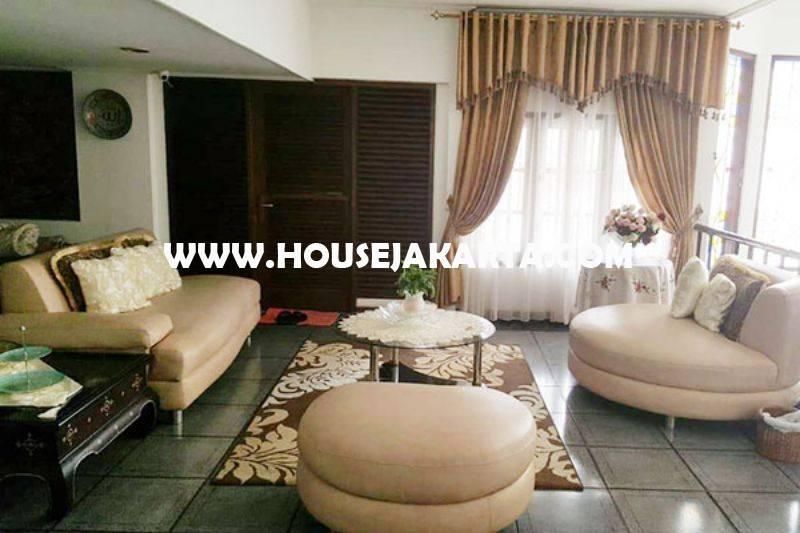 Rumah Jalan Adityawarman Senopati Kebayoran Baru dekat SCBD Sudirman Dijual