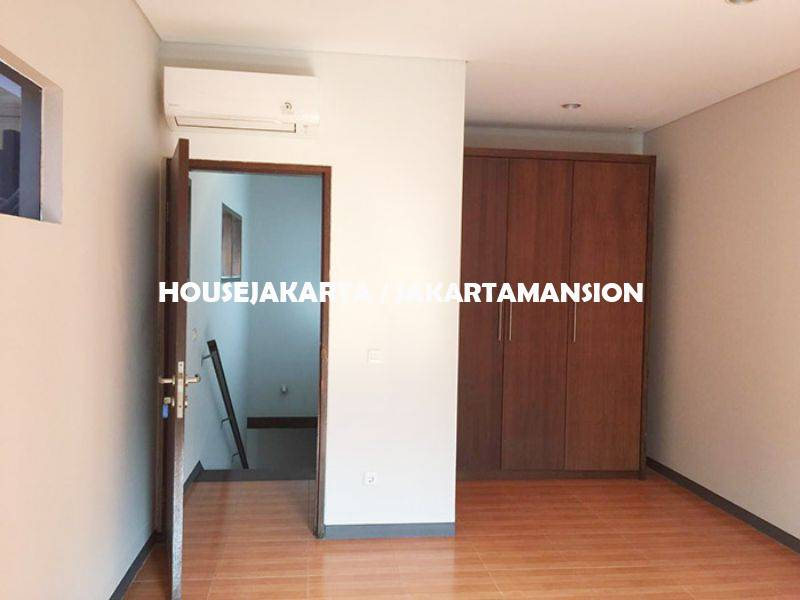 House for rent sewa lease at Senopati Kebayoran Baru