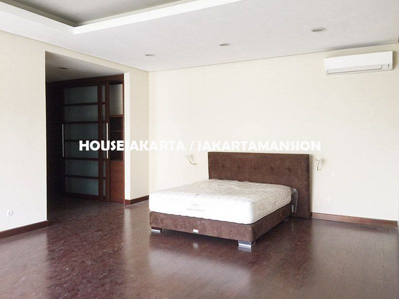 House for rent Lease at Pondok Indah with Swimming Pool