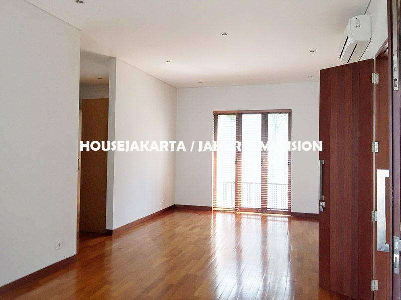 HR1138 House for Rent sewa lease at Cilandak