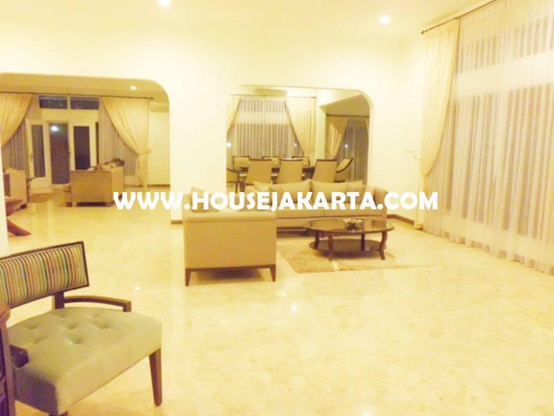 Rumah Jalan Mulawarman Senopati Kebayoran Baru dekat SCBD Sudirman Dijual Murah