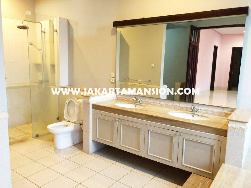 House for Rent sewa lease at Kemang
