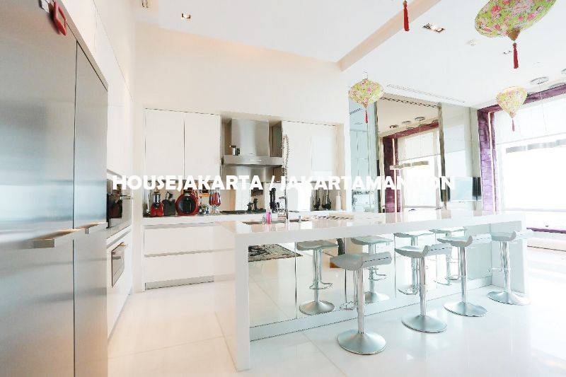 Penthouse Apartement Pakubuwono Residence For Rent Sewa Lease