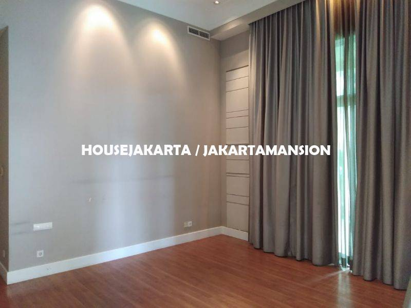 TownHouse Pakubuwono Residence For Rent Sewa Lease