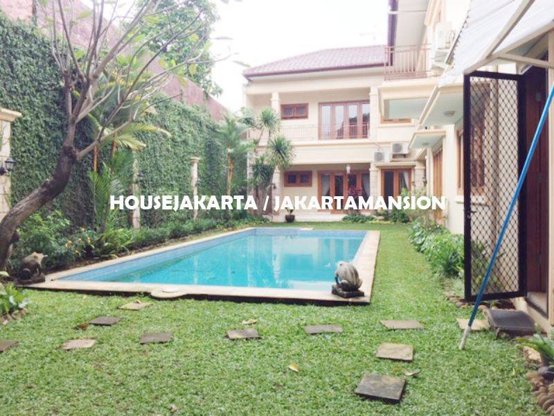 Compound House for rent at Ampera close to kemang