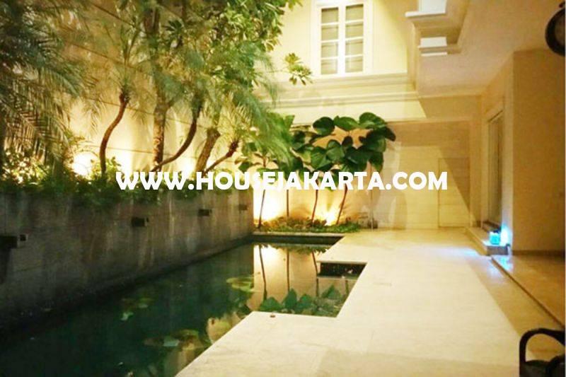 Rumah Elite Mewah Jalan Imam Bonjol Menteng Dijual Murah Tanah Kotak ada Pool