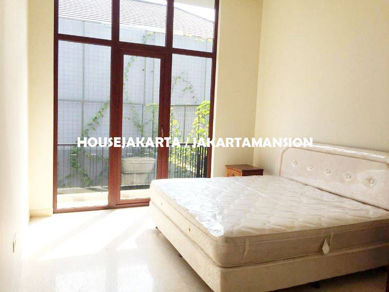 Brand New Compound House for rent sewa lease at Kemang Area