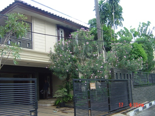 Nice house for rent at Kebayoran Baru