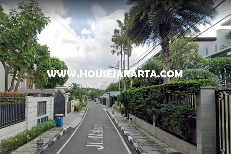 Rumah Jalan Malang Menteng Dijual Murah Tanah Persegi Golongan C