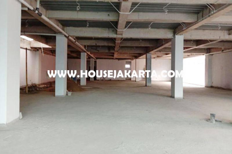 Gedung Baru Brand New Menteng Jakarta Pusat 4,5 Lantai ada Basement Dijual Murah 150M