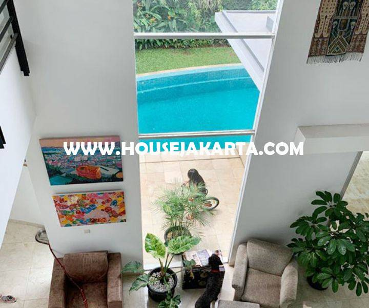 Rumah Bagus 2,5 lantai ada Pool Daerah Senopati Kebayoran Baru dekat SCBD Sudirman Dijual Murah