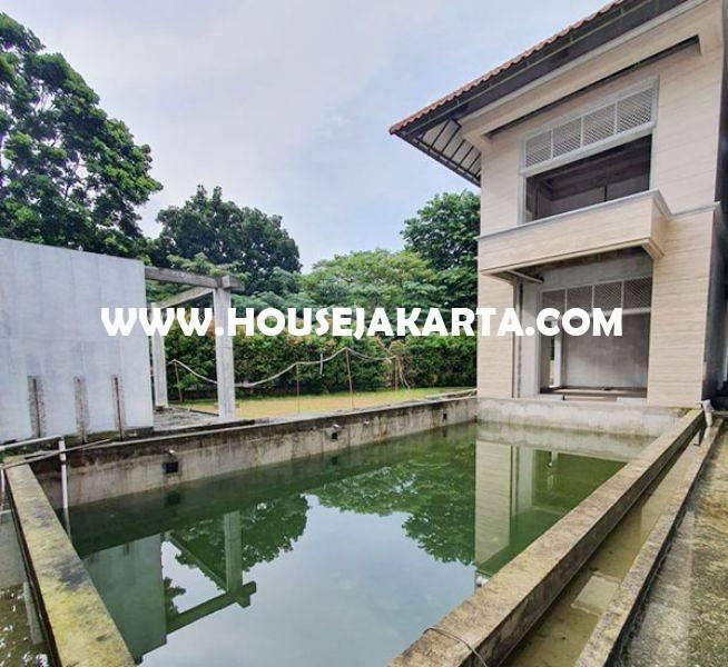Rumah Baru tinggal finishing Daerah Senopati Kebayoran dekat SCBD Sudirman Dijual