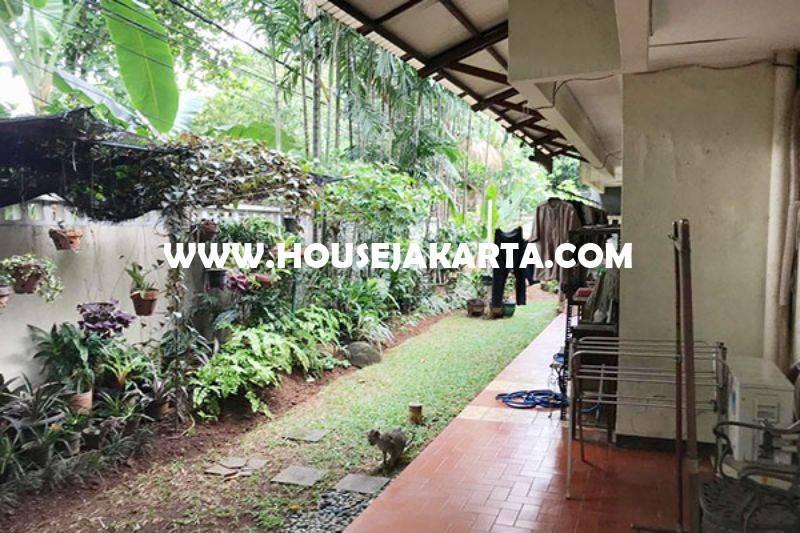 Rumah Jalan Indramayu Menteng Dijual Tanah Persegi daerah Elite jarang ada
