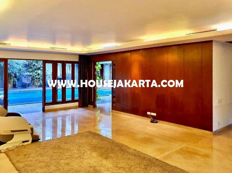 Rumah 2 Lantai Jalan Senjaya Senopati Kebayoran Baru Dijual dekat scbd Sudirman