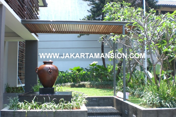 House at Brawijaya Kebayoran Baru for Rent
