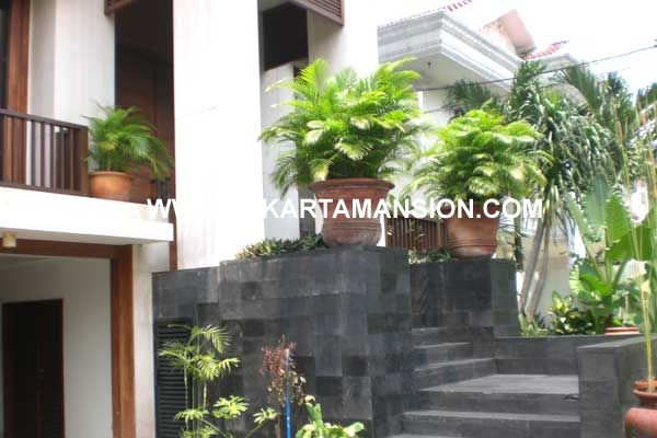 House at Senopati for rent