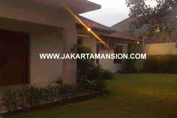 House in Kemang Selatan for Rent