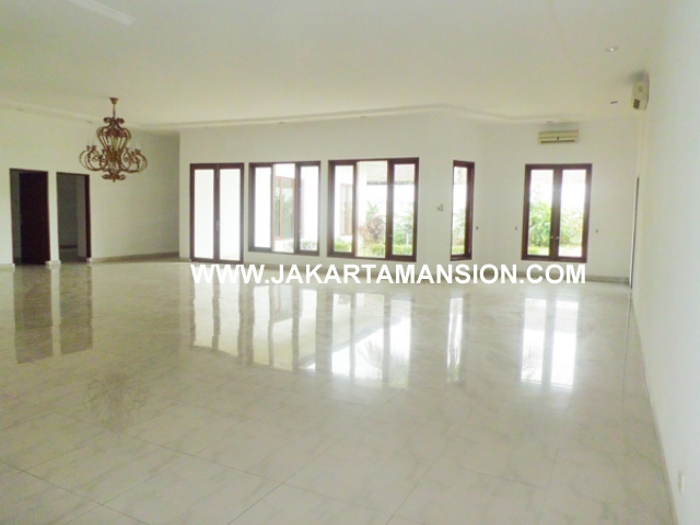 House for rent at patra kuningan
