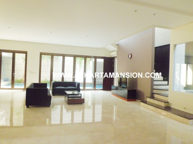 House for rent at Senopati Kebayoran Baru close to Sudirman Central Business District