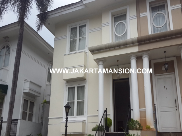 Town house for rent at Cipete Close to Francais International School
