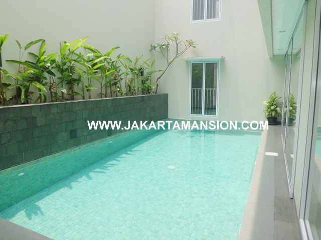 House for rent at Senopati Kebayoran Baru