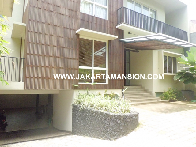 House for rent at Kebayoran Suitable to Embassy