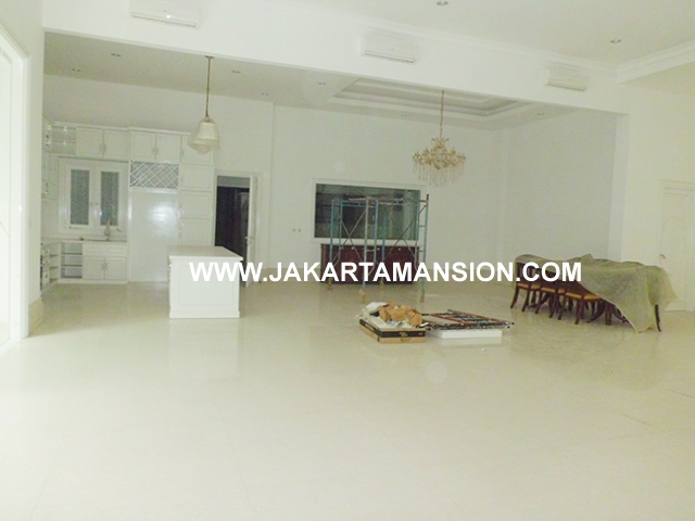 House for rent at Brawijaya Suitable to Embassy Close to kemang