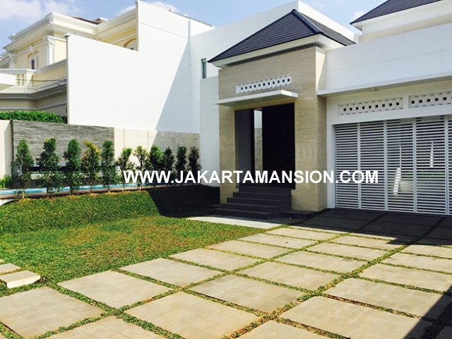 House for rent at Menteng Suitable to Embassy