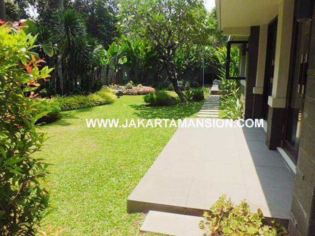 House for rent at at senopati (Kebayoran Baru) suitable for embassy
