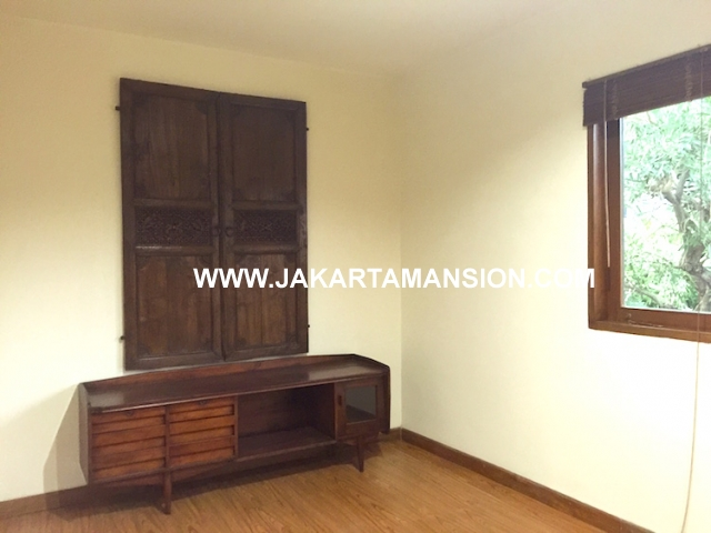 Excellent house for rent at Kemang Jakarta Selatan cheap price