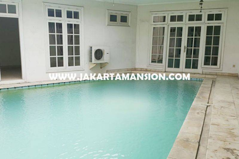 Rumah Jalan Cemara Senopati Kebayoran Baru Dijual Murah ada Pool