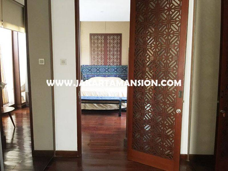Town House for rent sewa lease at kemang