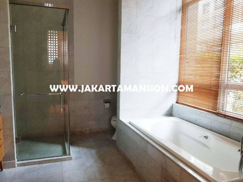 Town house Pakubuwono Residence For Rent