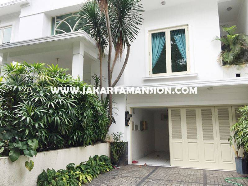 House for rent at at senopati (Kebayoran Baru) nice and save area, Close to SCBD ( sudirman central business district )