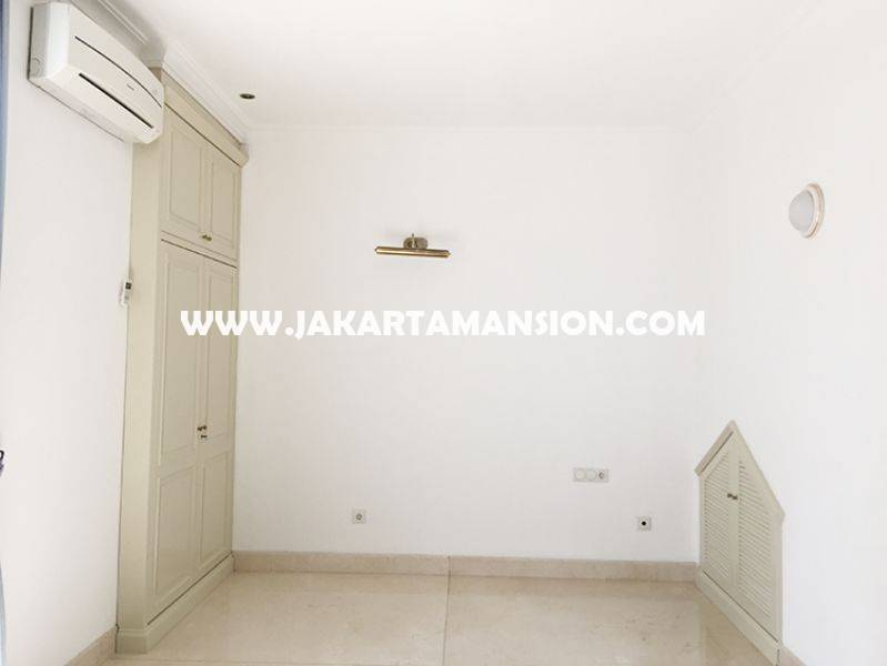 House for rent at at senopati (Kebayoran Baru) nice and save area, Close to SCBD ( sudirman central business district )