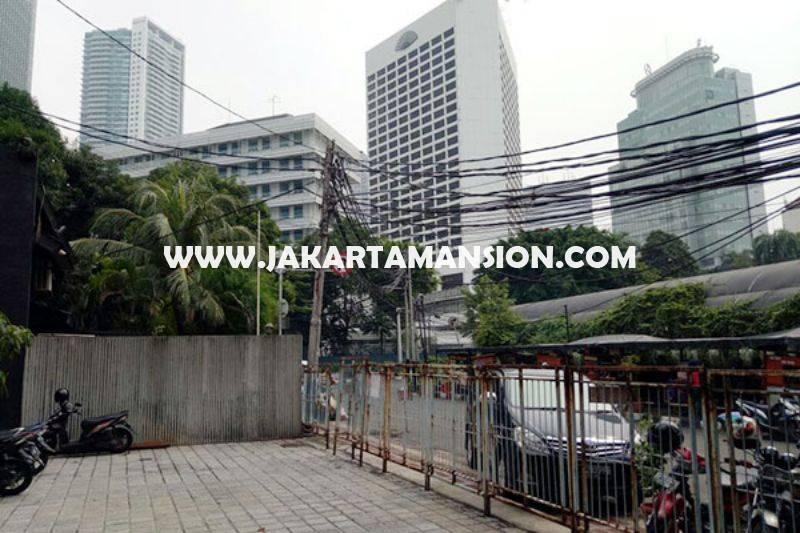 Rumah Menteng Jalan Kusuma atmadja dekat Bundaran HI Thamrin Dijual Murah bisa 4 lantai