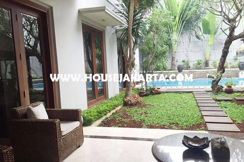 Rumah Bagus Jalan Senopati Raya Kebayoran Baru Dijual Murah Tanah Kotak
