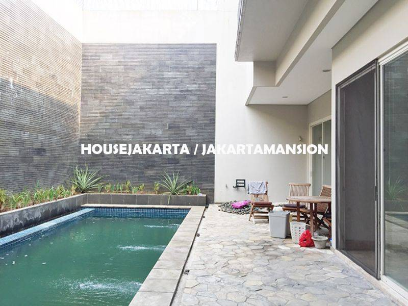 HR954 House for rent sewa lease at Pondok Indah