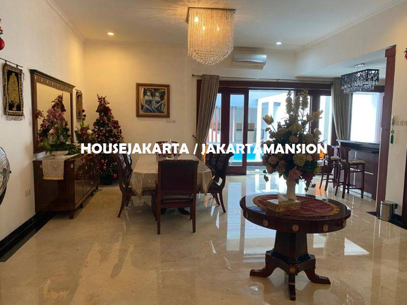 HR1309 House for rent at menteng