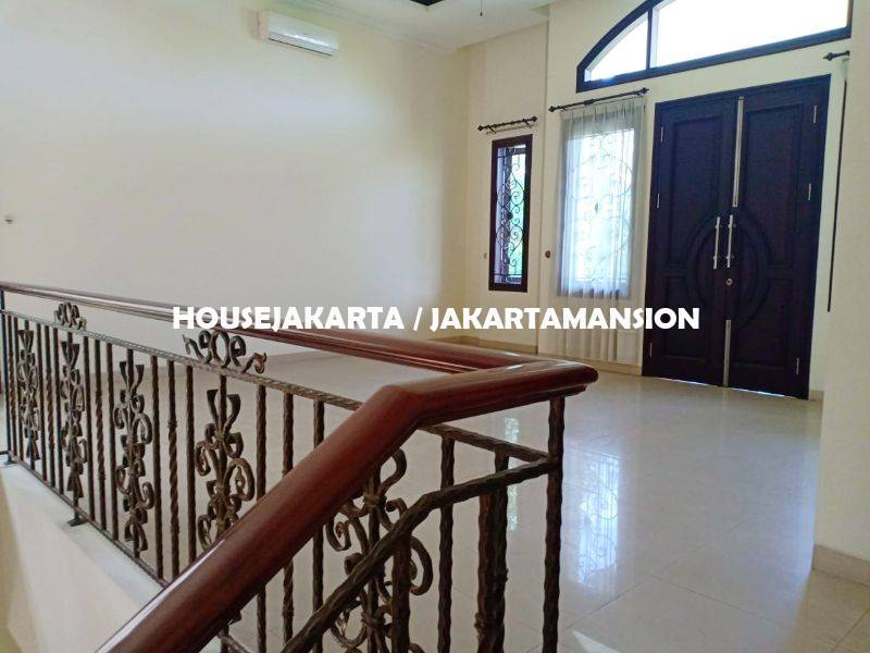 HR1310 House for rent at menteng